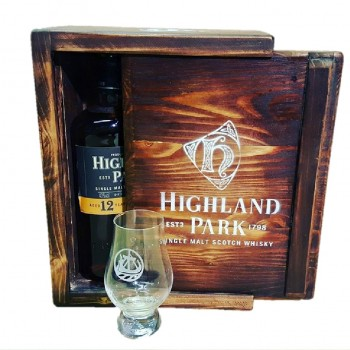 Promotional Wooden Drinks Packaging for Highland Park
