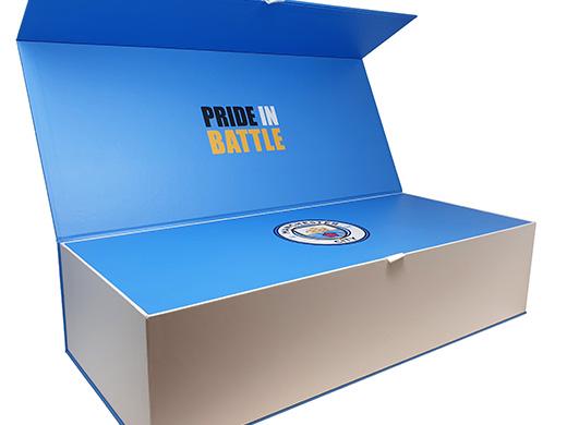 Man City Fan Gift Box half open